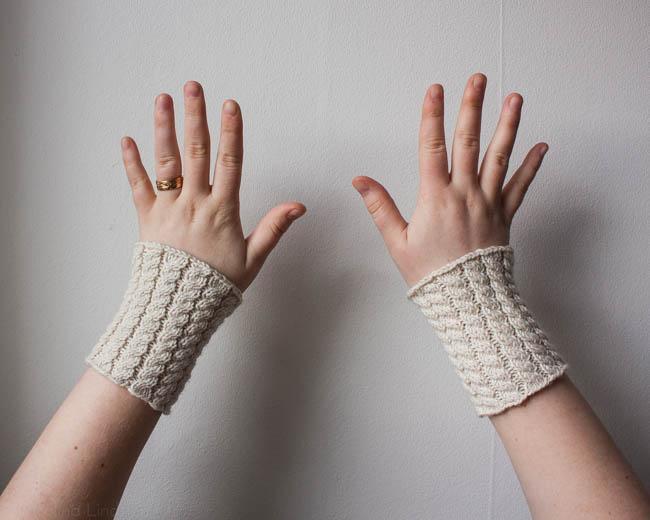 Wrist warmers docksjo design-2