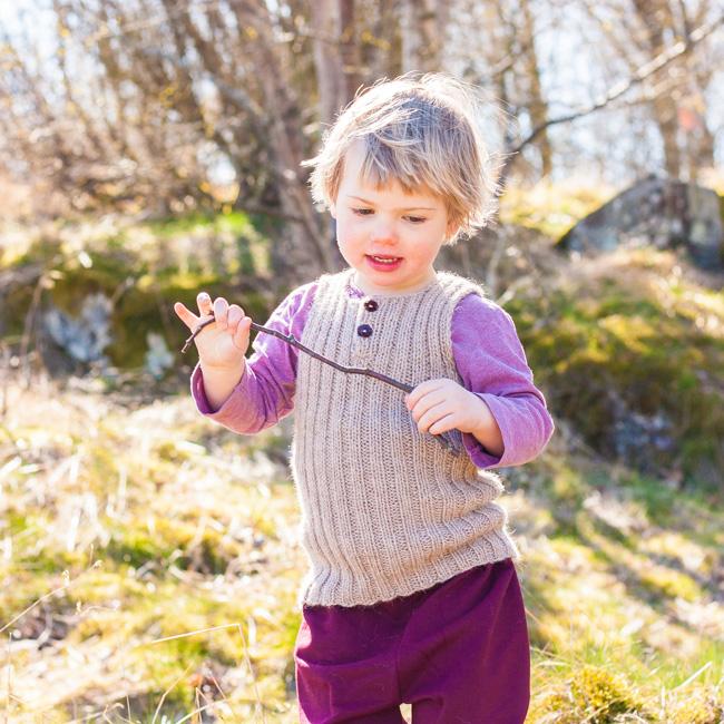 blåbär waistcoat docksjo design